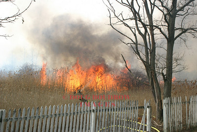 Winthrop, MA - Brush Fire, Revere Street, 2-21-06
