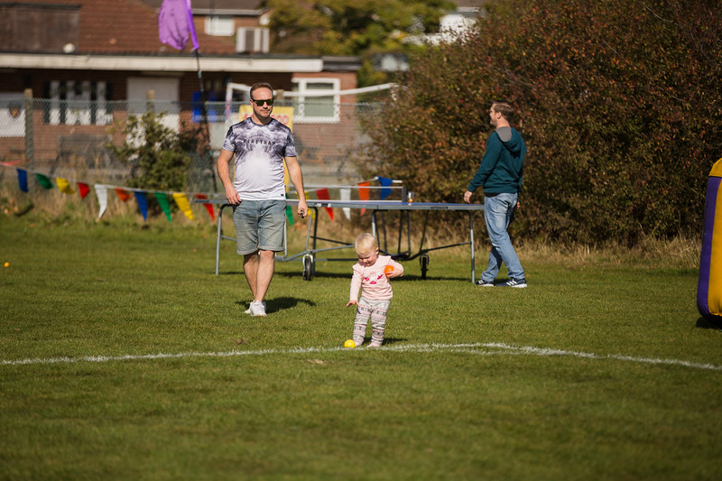 bensavellphotography_lloyds_clinical_homecare_family_fun_day_event_photography (99 of 405).jpg