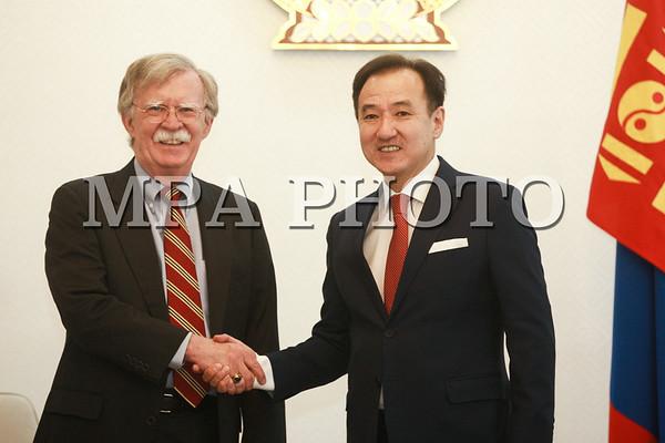 АНУ-ын ерөнхийлөгч Дональд Трампын үндэсний аюулгүй байдлын зөвлөх Жон Болтон Монгол улсад иржээ
