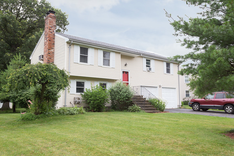 16 Lancaster Road - Cromwell, CT