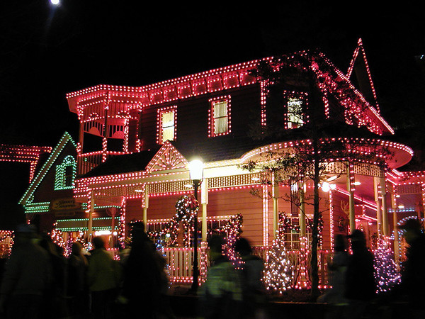 house lights dollywood.jpg