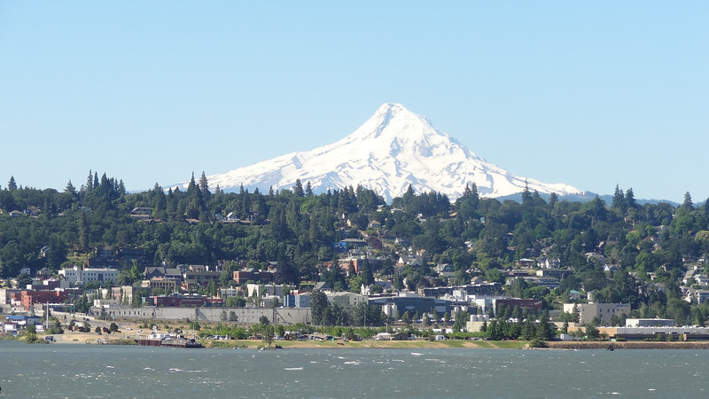 Mt Hoot and Columbia River