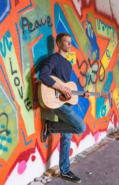 Andrew-Guitar-Rubber-bowl-inside-graffiti5.jpg