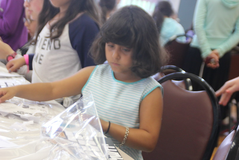 kars4kids_thezone_camp_girlsDivsion_activities_ArtN'Crafts (19).JPG