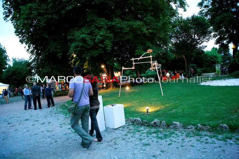 0136-zooart-01-2012.jpg