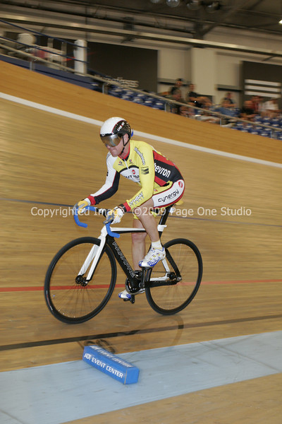 09SCNCATrackChamps_9641.JPG