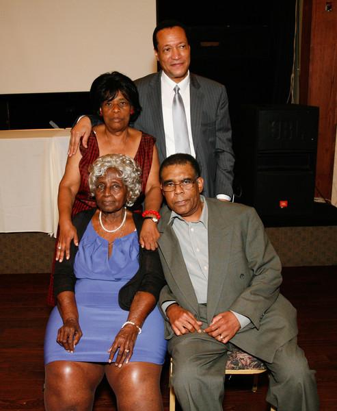 Edouard Family Reunion-3884.jpg
