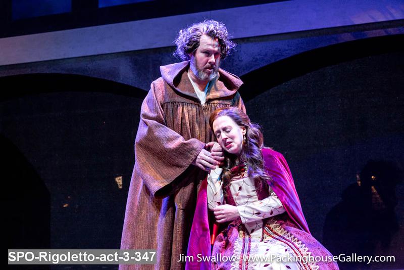 SPO-Rigoletto-act-3-347.jpg