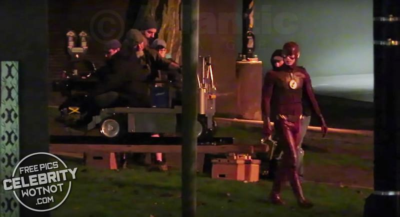 The Flash Defeats Savitar The Flash Season 3x23 Finale