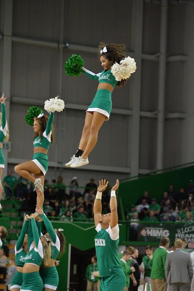 cheerleaders1424.jpg