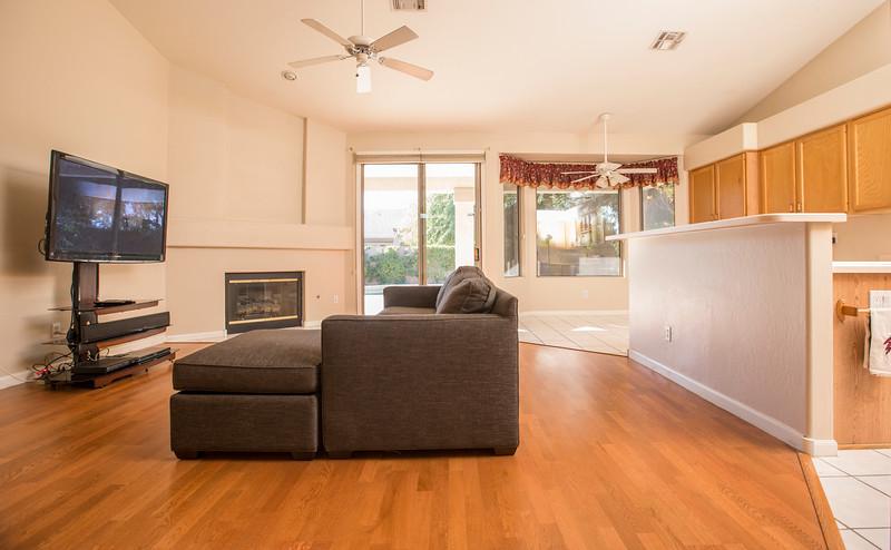 Livingroom Kitchen3.jpg