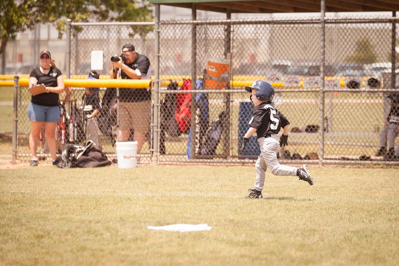 Younger Baseball-91.jpg