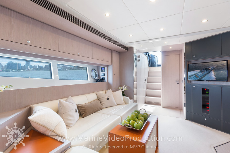 ISOLA Yacht_Interiors8.jpg
