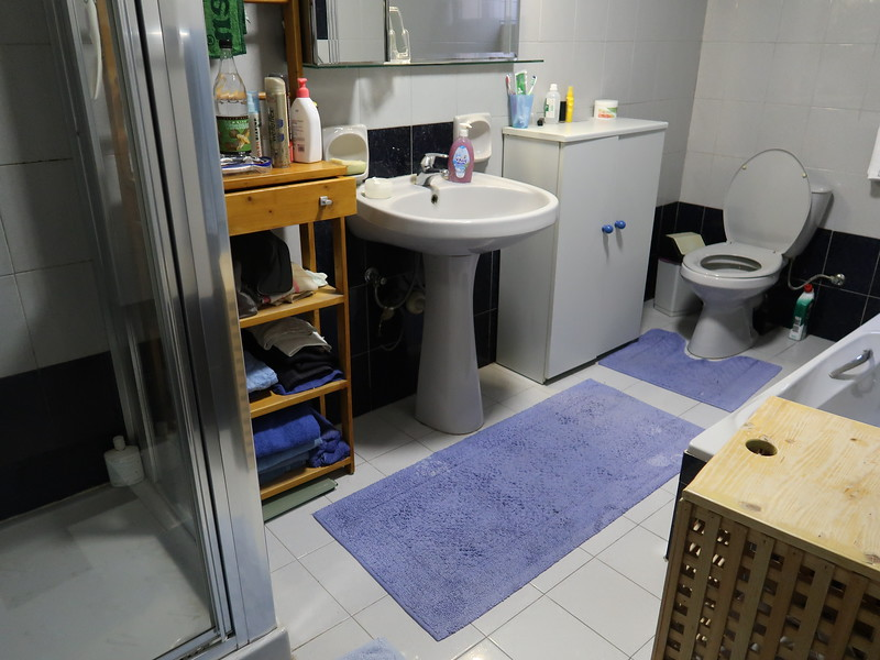 IMG_7203-airbnb-bathroom.JPG