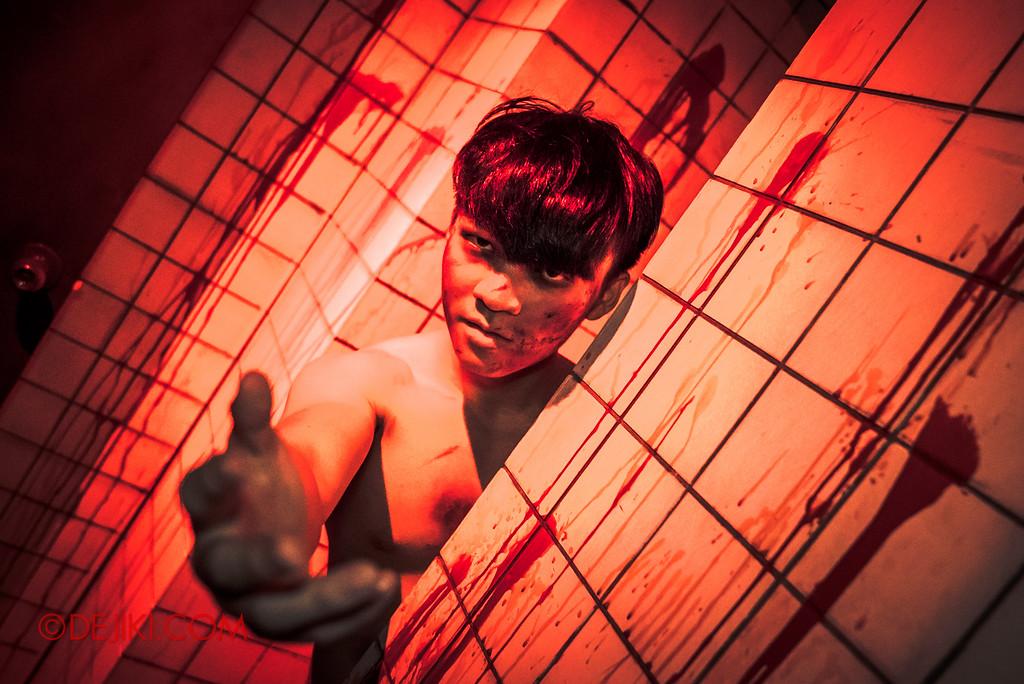 Halloween Horror Nights 6 - Old Changi Hospital / morgue wall