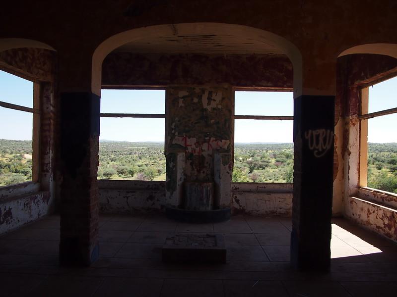 P3220158-house-view.JPG