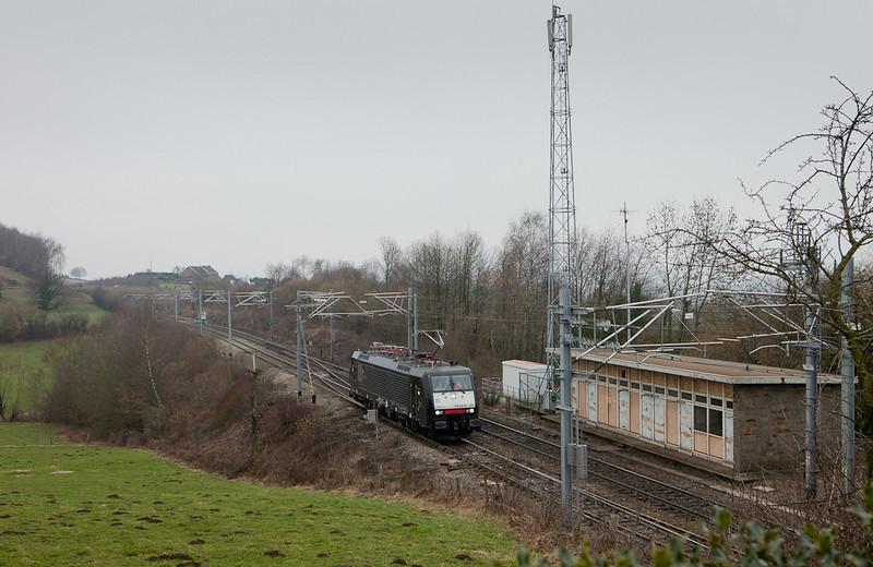 ES 64 F4-101 on a test run passes Botzelaar.
