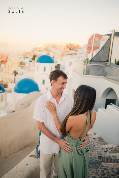 Engagement Session in Santorini Greece Anna Sulte-5.jpg
