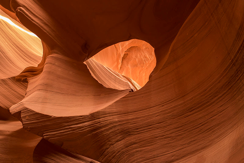 Playing in the Sand at Antelope Canyons (Arizona) 3