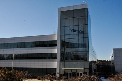 Verizon Innovation Center Outer Building and Sign
