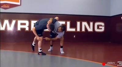 Underhook to a knee pick