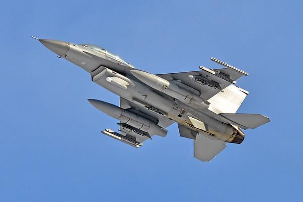 """F-16D, 92-0924 """"Swamp Fox"""""""