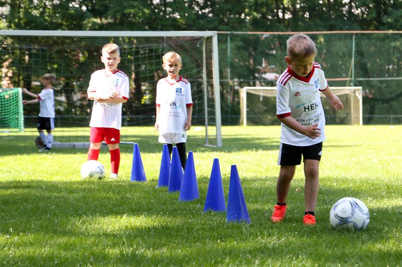 hsv_fussballschule-183_48048031672_o.jpg