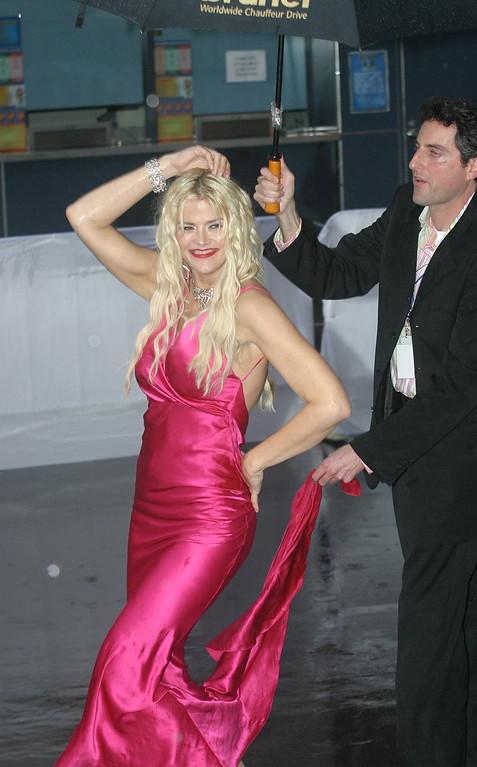 . Singer-Actor Anna Nicole Smith arrives at the first MTV Australia Video Music Awards in Sydney, Australia, Thursday, March 3, 2005. (AP Photo/Dan Peled)