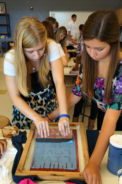 Lutheran-West-Art-Class-Silk-Screen-T-Shirts--September-2012--100.JPG