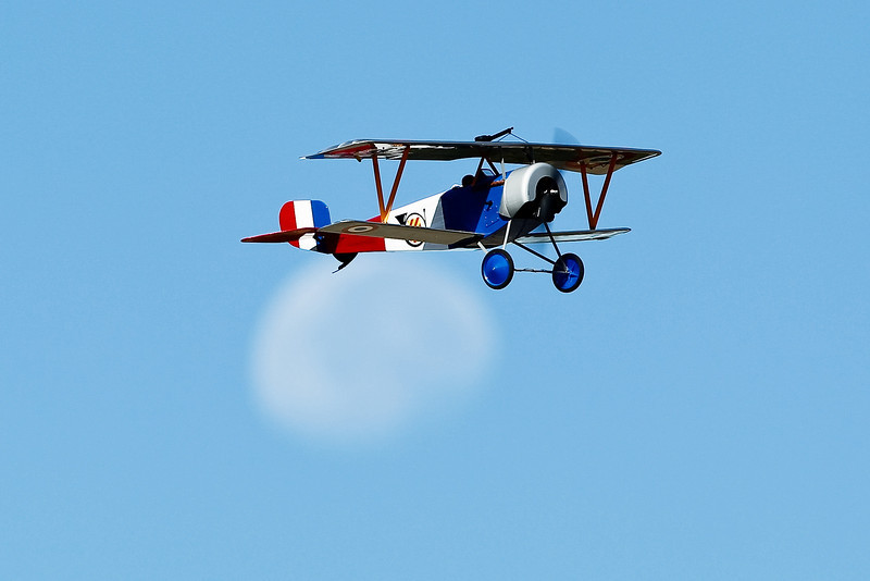 Electrifly_Nieuport17_Moon_59.jpg