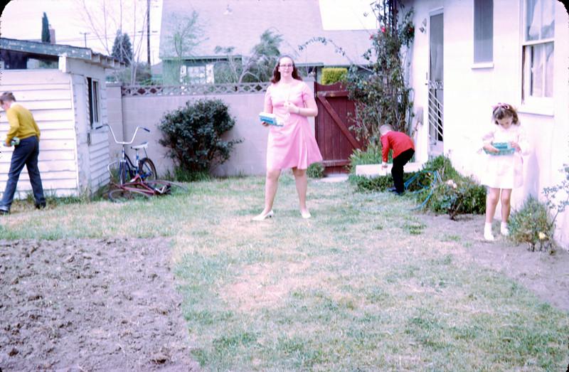 0103 - jeannette, todd, linda, mike easter (4-70).jpg