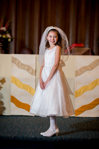 mackenzie_communion-001.jpg