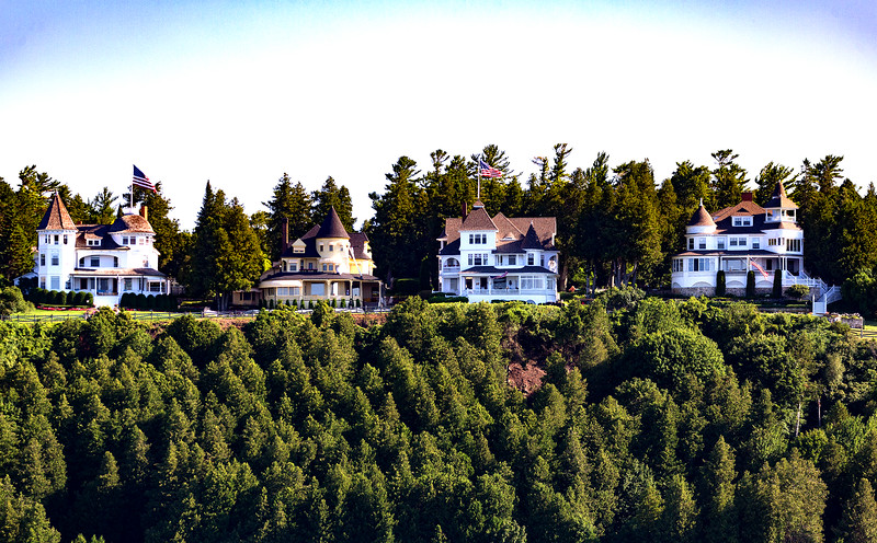 Wealthy mansions line the Mackinac Island high ground.