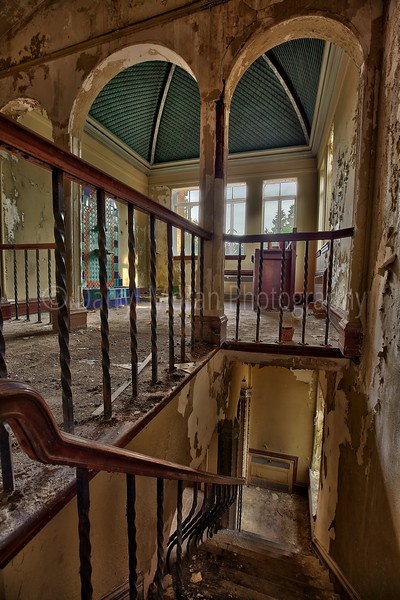 Abandoned Movie Producer's Mansion (69).jpg