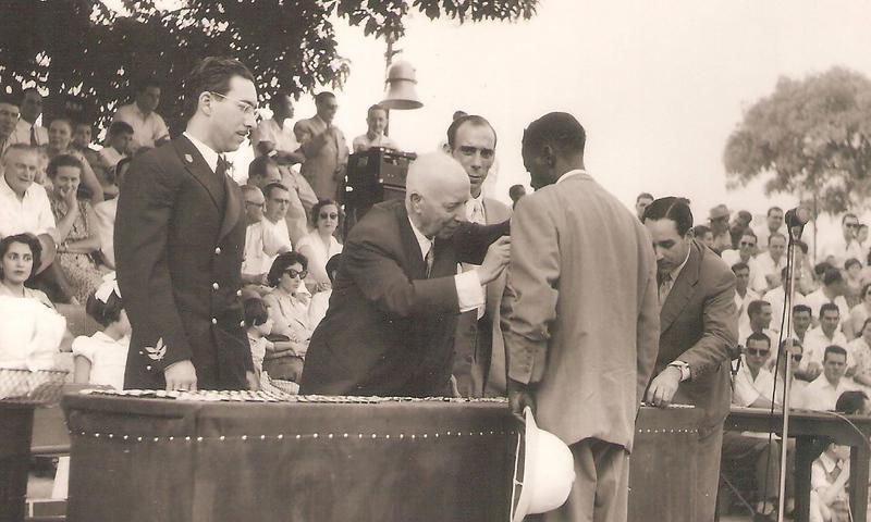 Dundo 1964 - Entrega de Medalhas
