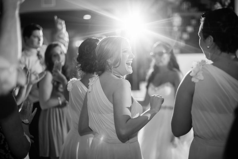 1068_Josh+Lindsey_WeddingBW.jpg