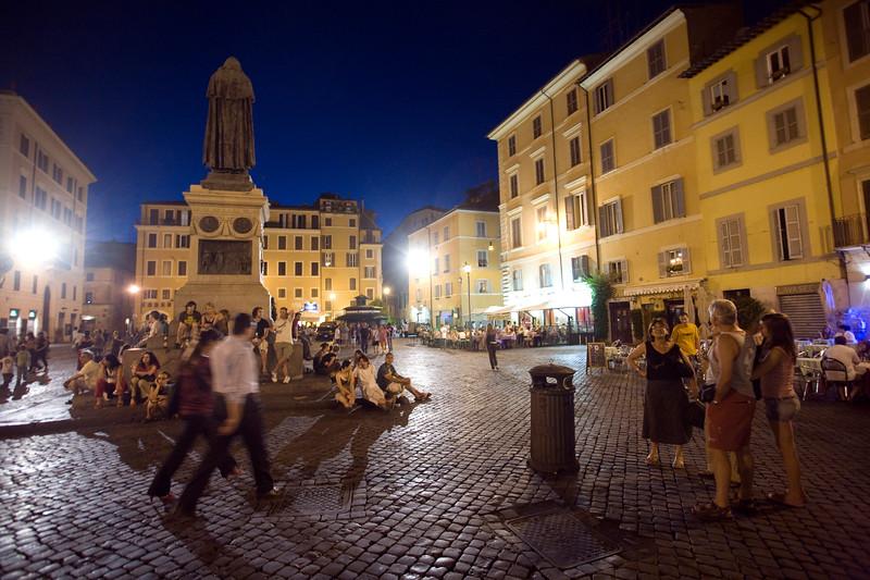 Night scene, Campo dei Fiori, Roma