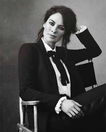 Woman / Sexy / Suit / Shirt / Tie