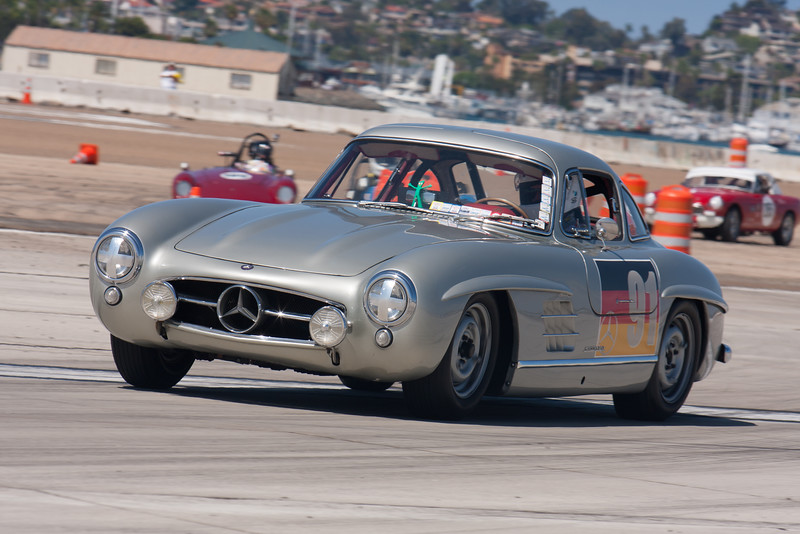 Alex Curtis in his 1955 Mercedes-Benz 300 SL Gullwing. © 2014 Victor Varela