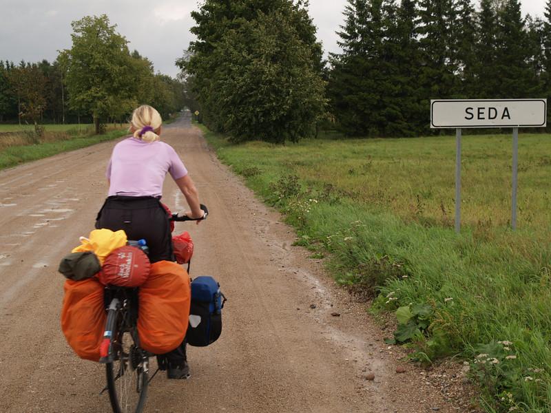 Etappe Klapeida - Mazeikiai (Lithuania - Litauen) / Winterthur-St.Peterburg-Winterthur by bicycle / © Rob Tani, 21.8.08