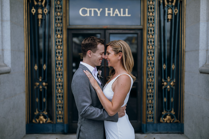 2018-10-04_ROEDER_EdMeredith_SFcityhall_Wedding_CARD1_0257.jpg