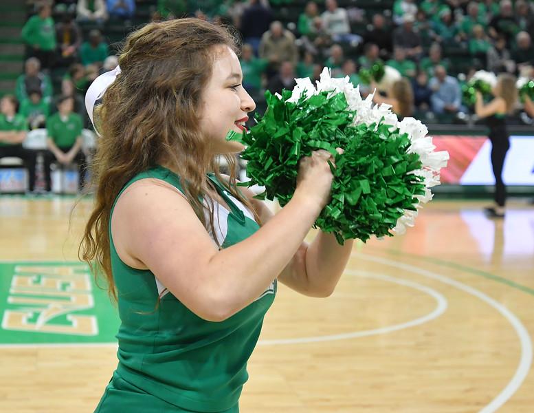cheerleaders4429.jpg
