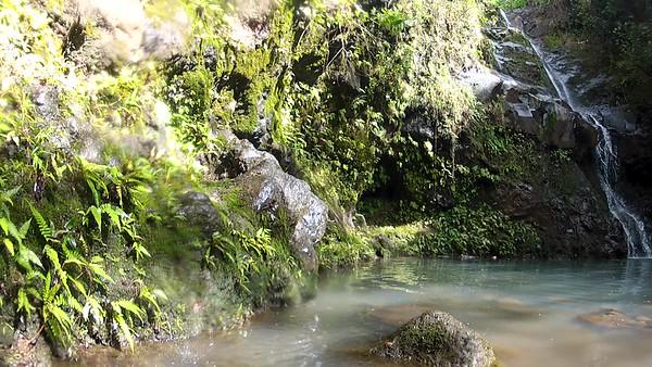 Hawaii - Manana Falls Video