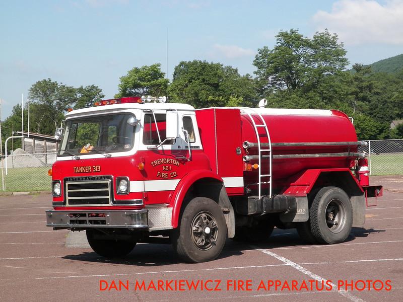 TREVORTON FIRE CO. TANKER 313 1981 INTERNATIONAL/PFC TANKER