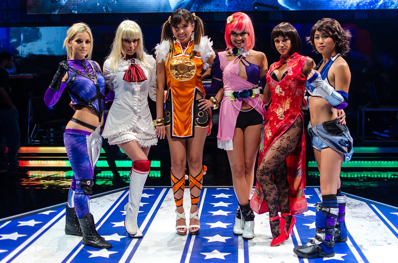 Tekken cosplay models at E3 2012