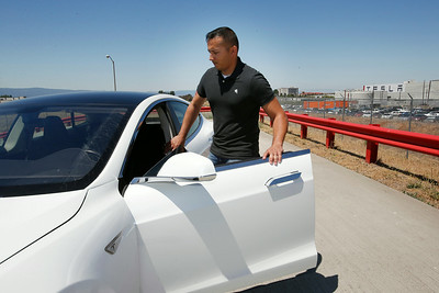 Photos: Tesla Motors on a mission to hire more veterans