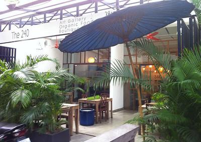 240-hotel-cambodia1.jpg