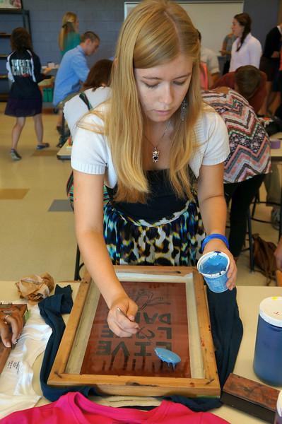 Lutheran-West-Art-Class-Silk-Screen-T-Shirts--September-2012--93.JPG