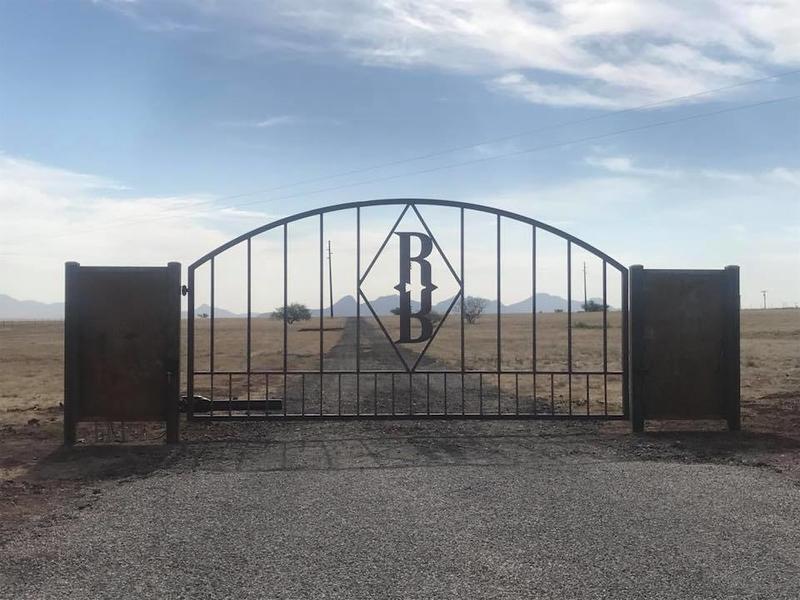 R R gates w op.jpg