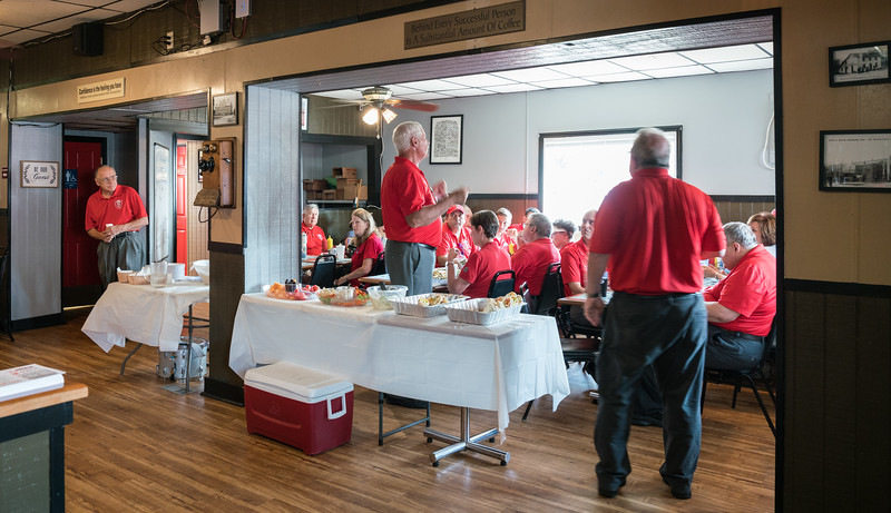 """Lunch, """"rehydration"""" and a few tunes at The Bucyrus Diner"""